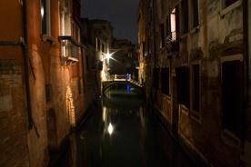 Venice, drawing at night with Ian Murphy