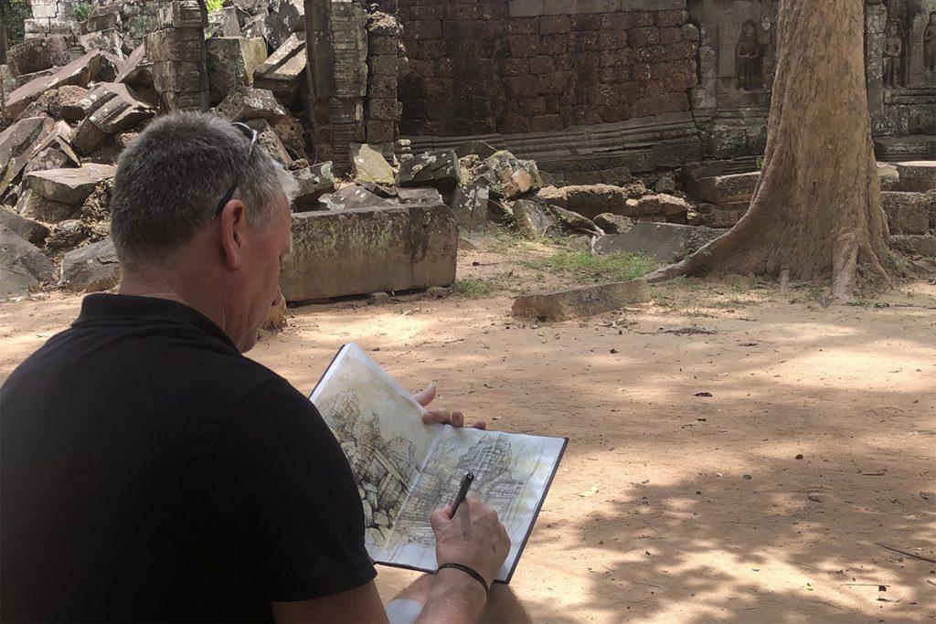 Ian Murphy drawing in location